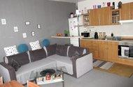 N48352_obývací pokoj s kuch.koutem