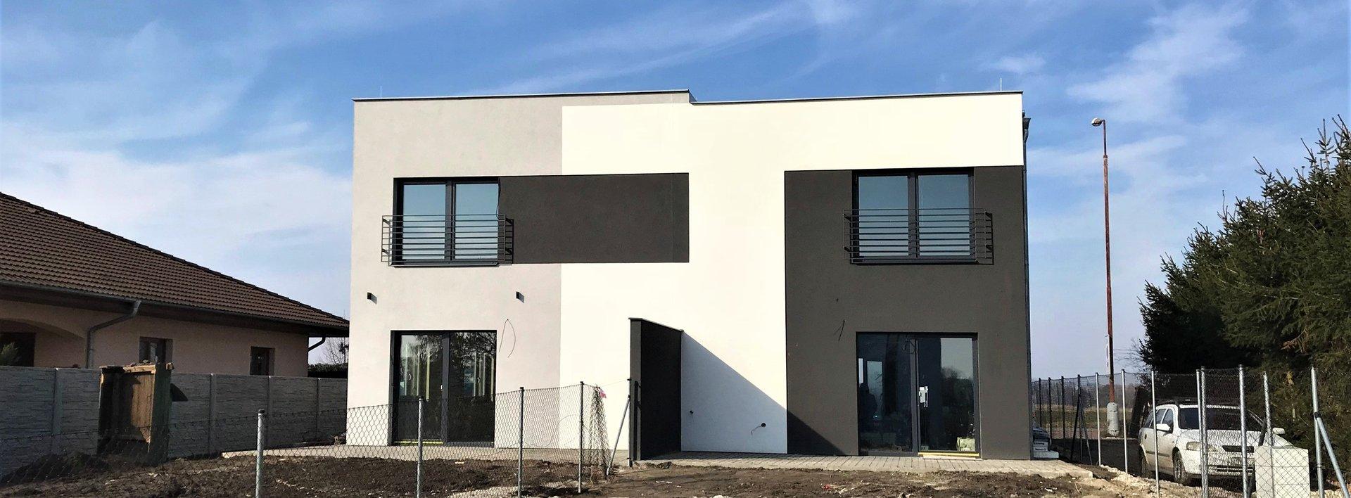 Novostavba cihlového dvojdomu v Lázních Bohdanči, 293 m2, Ev.č.: N48361