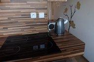 N48385_z kuchyně do chodby
