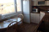 N48385_kuchyň výhled do přírody