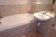 N48420_koupelna vana