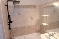 N48420_koupelna sprchový panel