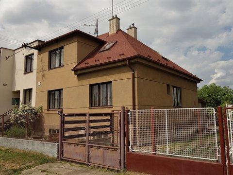 Rodinný dům (5+1) se zahradou, 917 m², Pardubice – Studánka