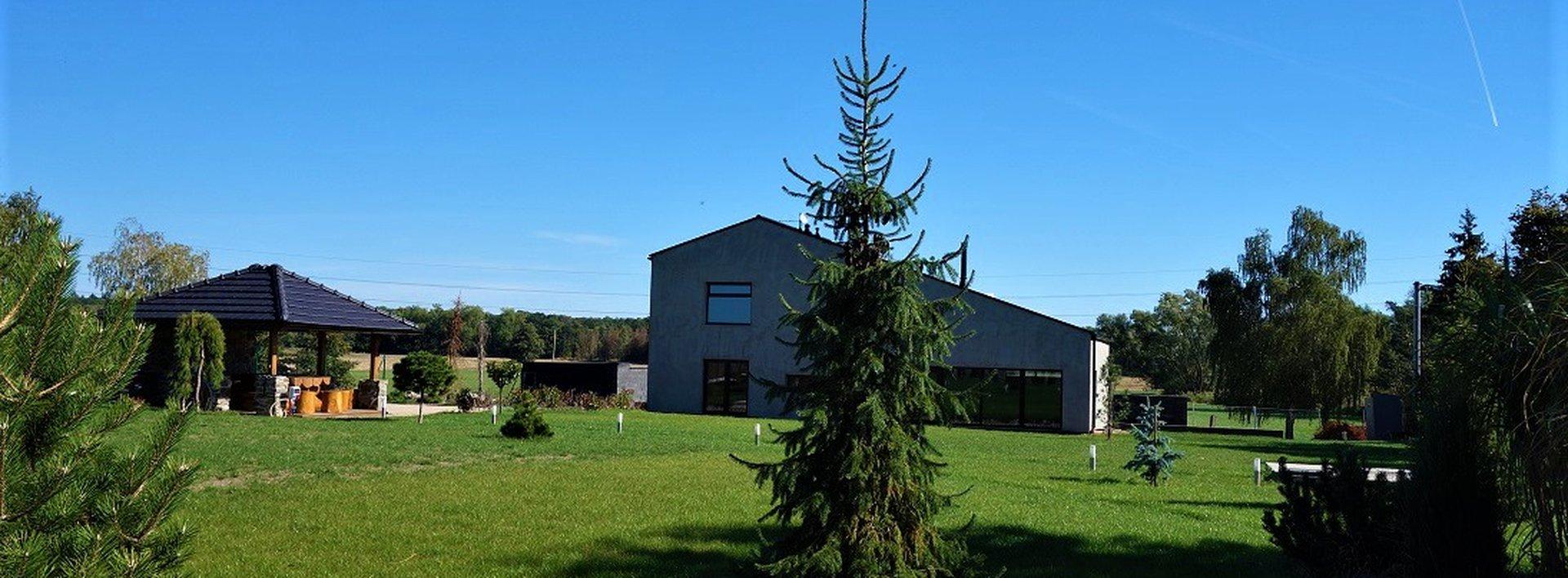 Výjimečný dům v Podůlšanech, 2723 m2, Ev.č.: N48549