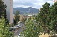 N48603_výhled z okna