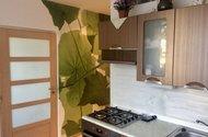 N48609_kuchyň do pokoje