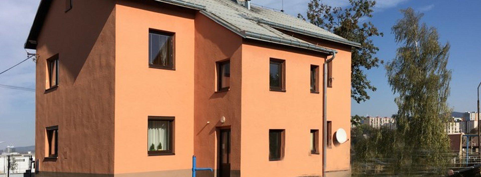Prodej slunného bytu 2+1 s podílem na upravené zahradě, Ev.č.: N48616