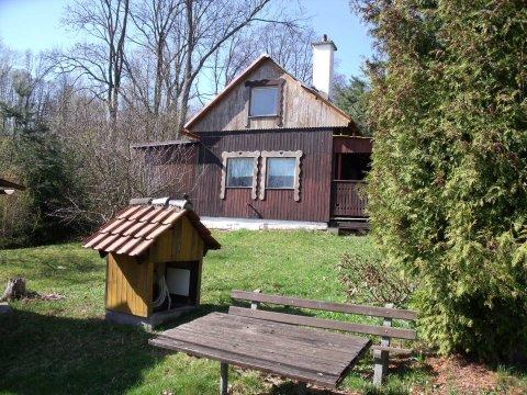 Prodej rekreační chaty se slunnou zahradou v Bořetíně
