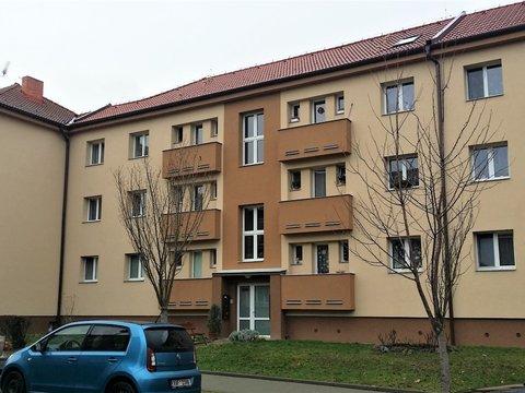 Prodej bytu 3+1 se dvěma balkony, 75 m² - Přelouč