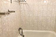 N48670_koupelna vana