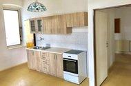 N48670_kuchyň vstup do chodby