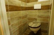 N48689_toaleta
