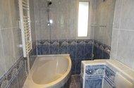 N48364_koupelna s vanou