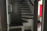 N48716_chodba_schodiště
