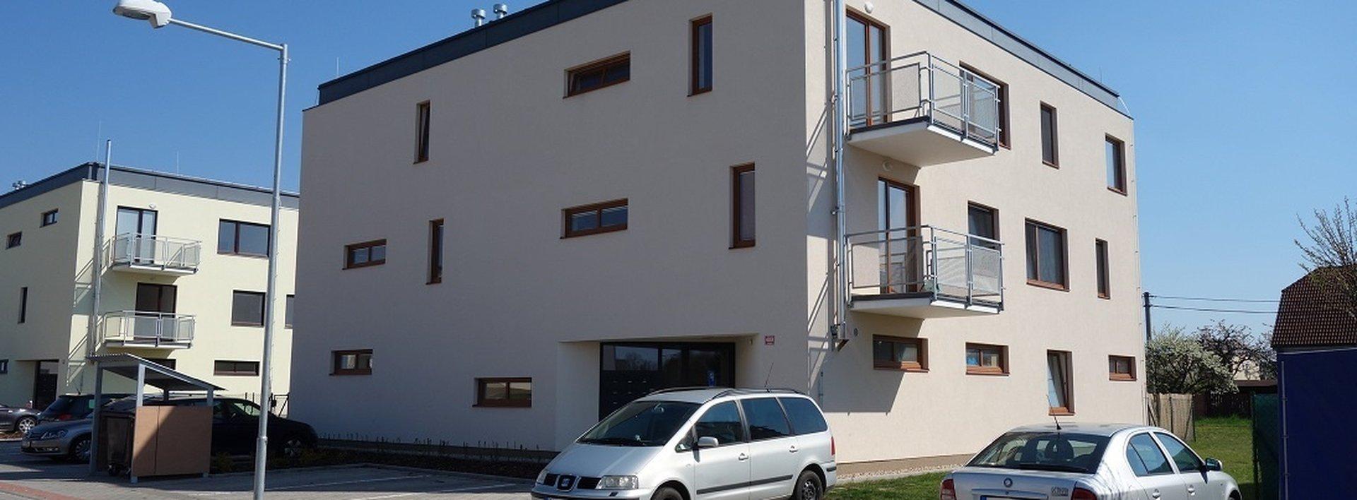 Byt 2+kk s předzahrádkou a parkovacím stáním v novostavbě, 106 m², Stěžery, Ev.č.: N48747
