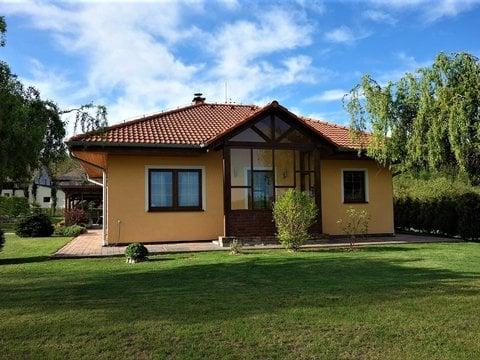 Prodej bungalovu s krásnou zahradou, 2662 m² - Holotín u Heřmanova Městce
