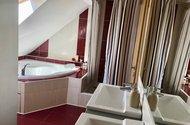 N48767_koupelna vana sprchový kout ě umyvadla