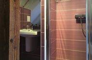 N48783_podkroví_koupelna