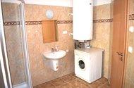 N48801_koupelna se sprch.koutem