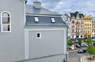 N48843_výhled z okna na Sokolské náměstí