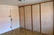N48856_ložnice vchod do OP