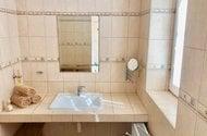 N48856_koupelna s umyvadlem