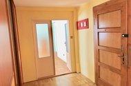N48856_hlavní vchod, vchod do OP