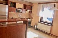 N48856_kuchyň s jídelním koutem