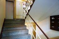 N48872_schodiště