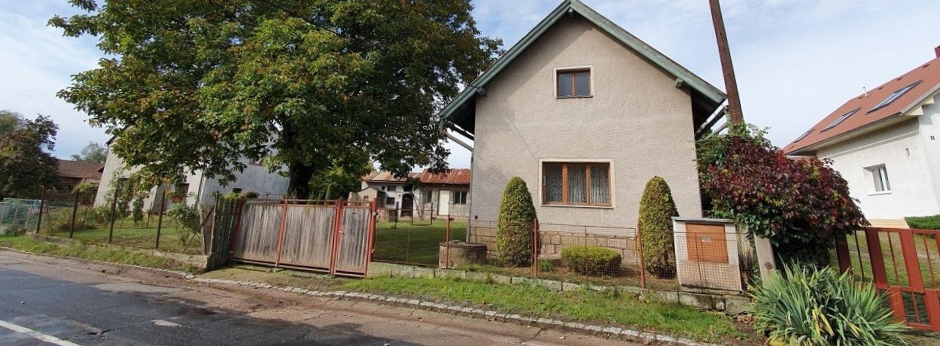Dům s velkou zahradou (zastavitelnou), Lochenice, 3999 m2, Ev.č.: N48892