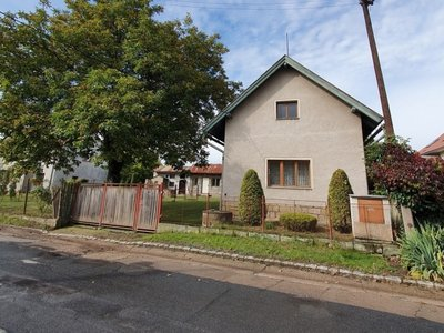Prodej, Rodinné domy, 172m² - Lochenice