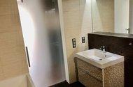 N48930_z koupelny do vnitřní chodby