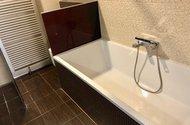 N48930_koupelna s vanou WC