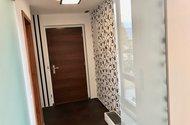 N48930_vstupní chodba bytu