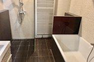 N48930_koupelna van, sprchový kout wc
