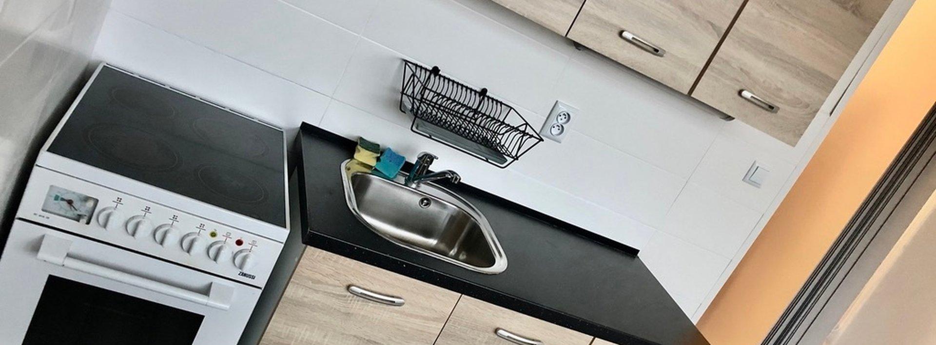 Pronájem zrekonstruovaného bytu 2+kk s lodžií, 39 m² - ul. Křišťálová, JBC, Ev.č.: N48955