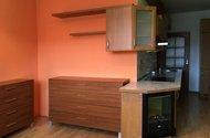 N48957_obývací pokoj_kuchyně