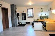 Obývací místnost.