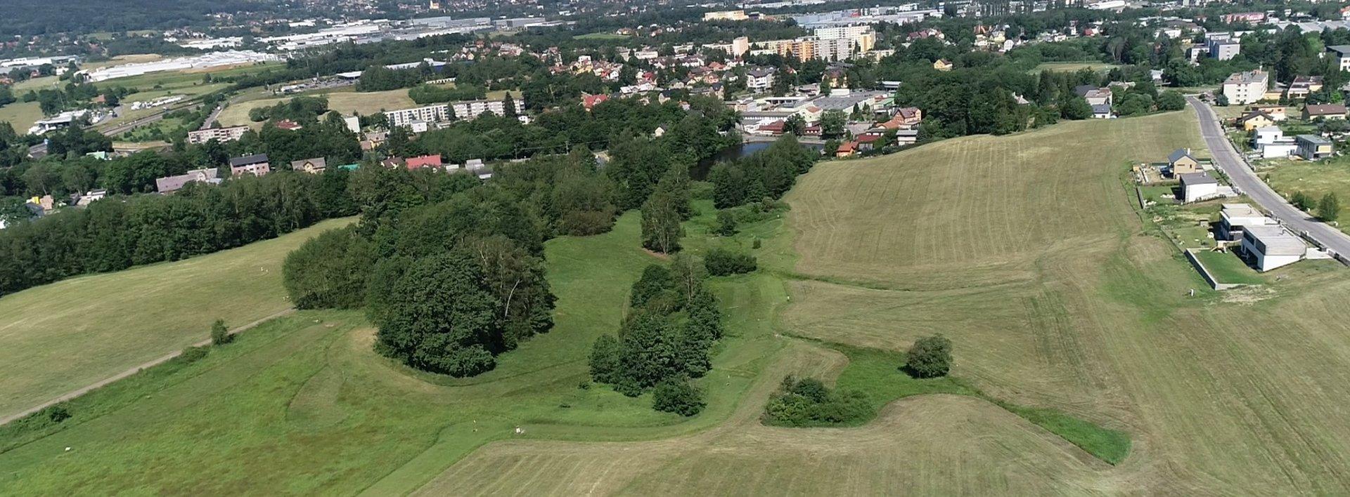 Nabízíme na prodej 20 000 m2 pozemků pro rezidenční výstavbu dle platného ÚP, Ev.č.: N49002