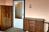 N49019_obývací pokoj_
