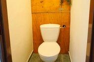 N49028_toaleta