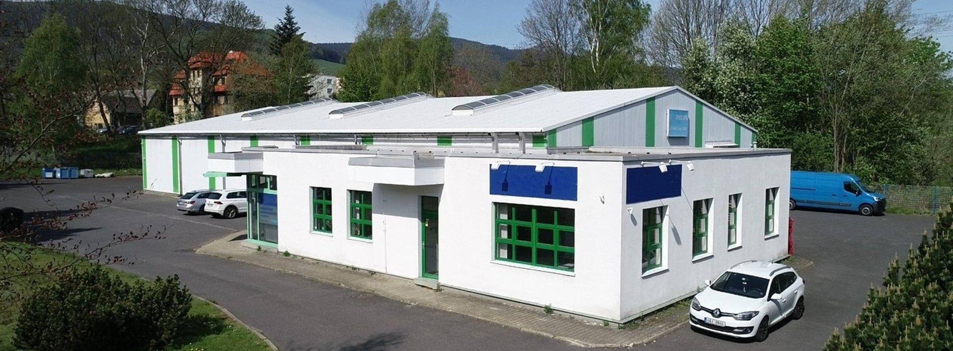 Prodej průmyslového areálu a souvisejících pozemků o celkové výměře 12.860 m², Ev.č.: N49056