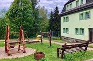 N49070_dětské hřiště u domu