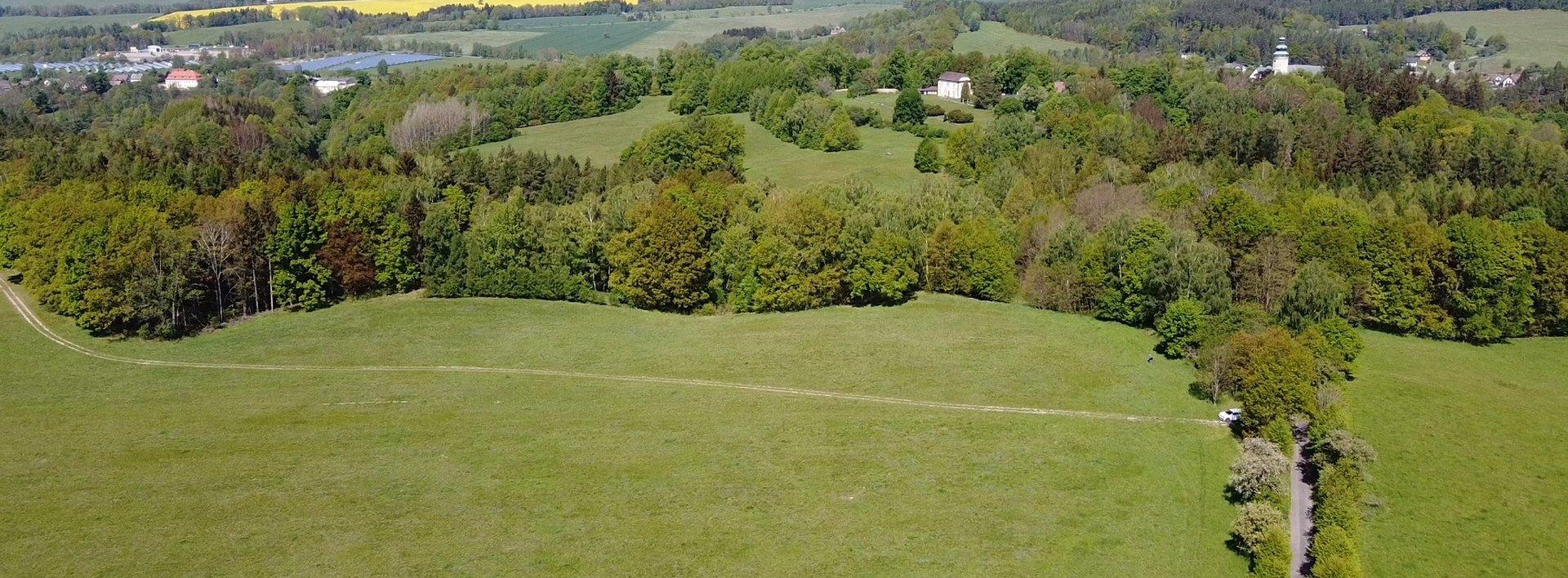 Louky, pastviny a lesy v malebné krajině u zámku Lemberk, Ev.č.: N49071