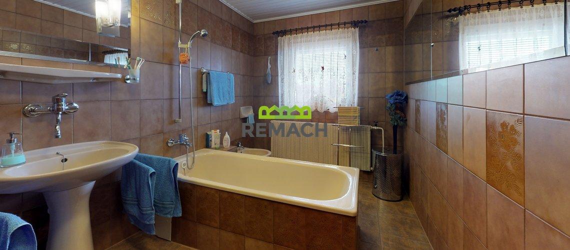 Ceska-Metuje-Bathroom(3)