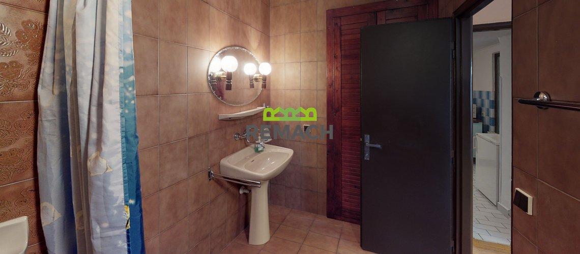Ceska-Metuje-Bathroom(5)