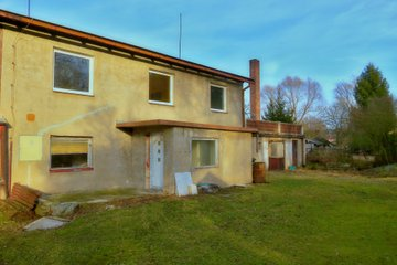 Prodej rodinného domu s velkou zahradou a terasou
