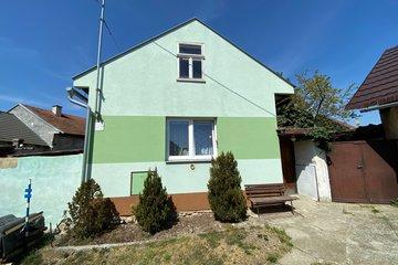 Prodej, rodinný dům 2+1, pozemek 643 m2, Hulín, Záhlinice