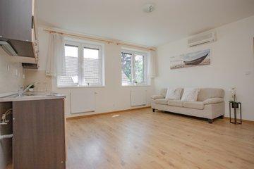 Pronájem, byt 2+kk, 50 m2 + terasa 16 m² + parkovací místo - Uherské Hradiště