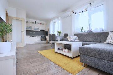 Pronájem, byt 2+kk, 65 m², Uherské Hradiště, ulice Zahrádky